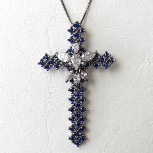 Colar Crucifixo Safira | Lanarée Acessórios
