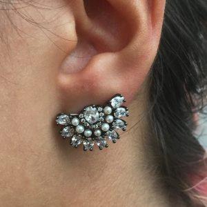 Ear Cuff Pérolas Ródio Negro | Lanarée Acessórios