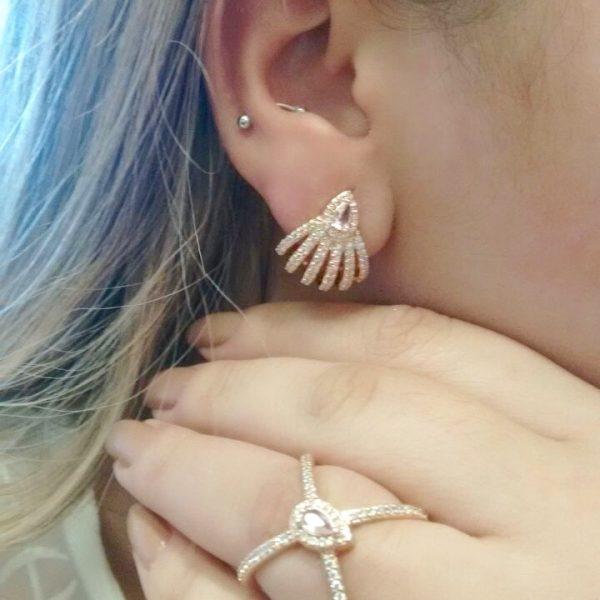 Brinco Ear Cuff Gota Safira Rosa | Lanarée Acessórios
