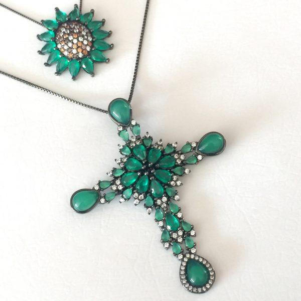 Colar Crucifixo Cristal Ágata Verde   Lanarée Acessórios