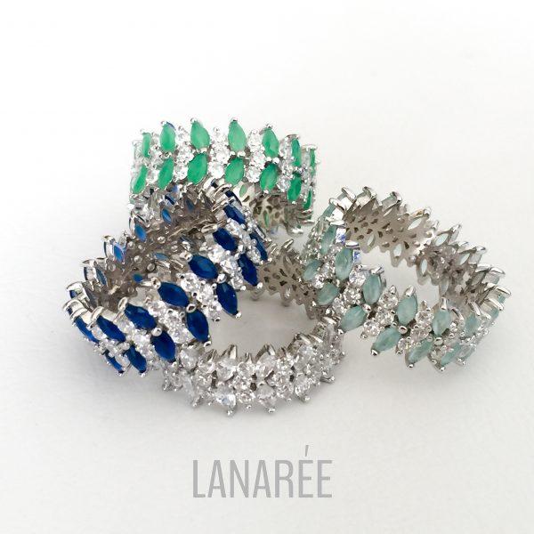 Anel de Prata Esmeralda Navetes Cravejado | Lanarée Acessórios