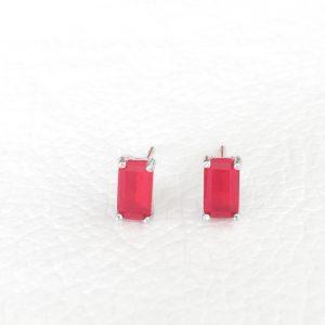 Brinco Mini Retângulo de Cristal Rubi Semijoia | Lanarée Acessórios