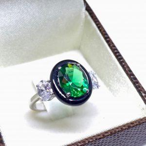 Anel Zircônia Oval Verde Esmeralda | Lanarée Acessórios