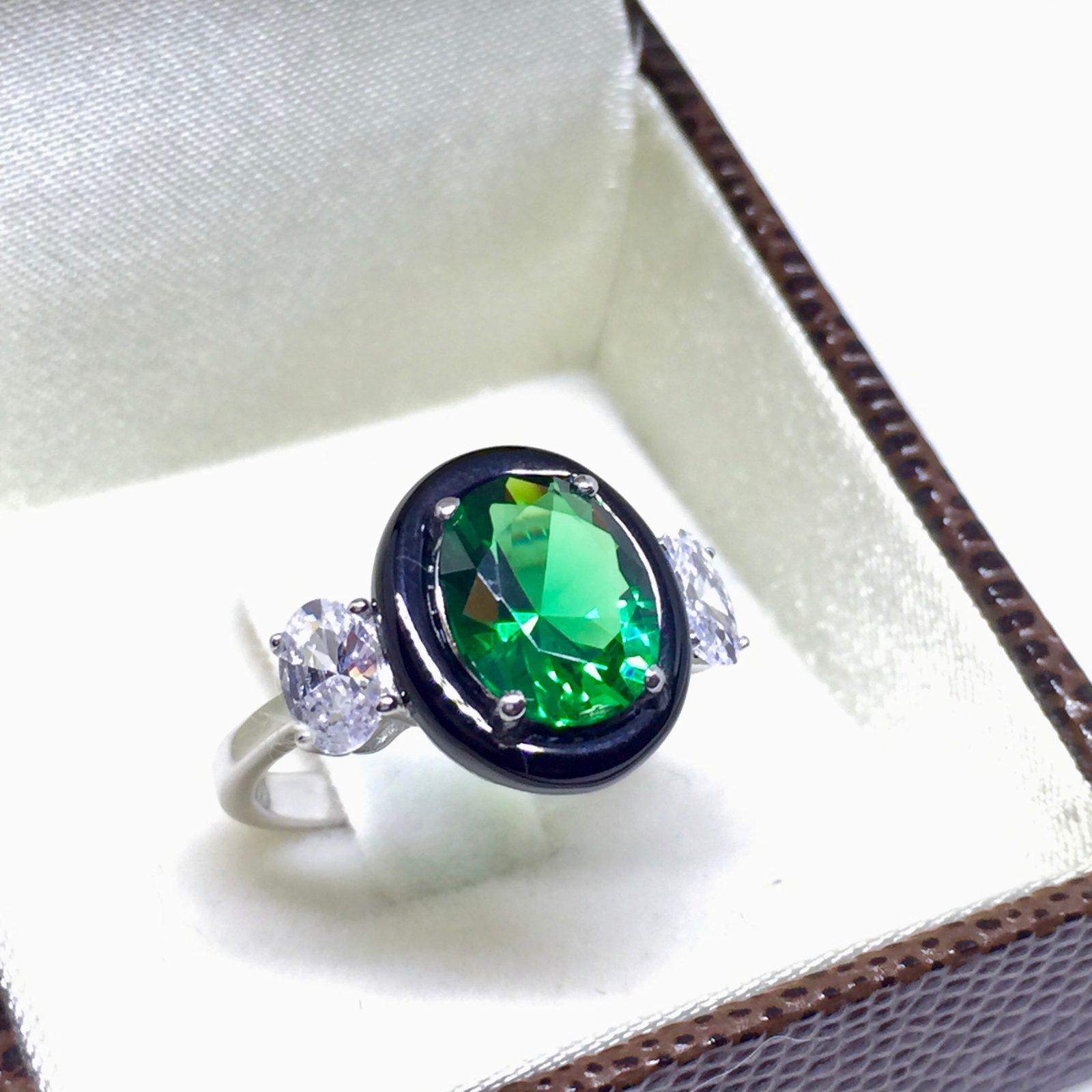 Anel Zircônia Oval Verde Esmeralda   Lanarée Acessórios