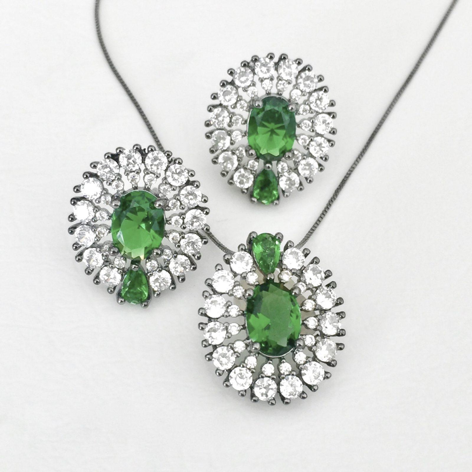 Conjunto Cristal Esmeralda Oval Ródio Negro | Lanarée Acessórios