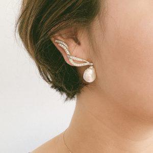 Brinco Ear Cuff Pérola Barroca | Lanarée Acessórios